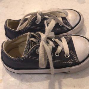 kids boy girl converse sneaker size 7 gray